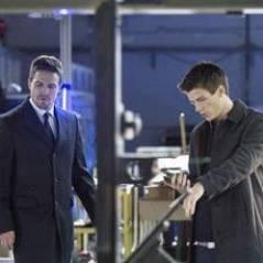 Arrow saison 2 : premières images de The Flash aka Sebastian de Glee