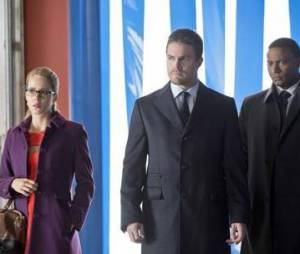 Arrow saison 2 : Oliver Queen se fait des amis