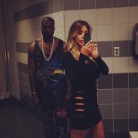 Kim Kardashian : sans culotte pour un selfie avec Kanye West en direct des toilettes