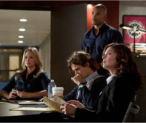 Esprits Criminels saison 8 : la team sera là pour Reid