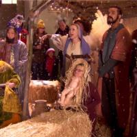 Glee saison 5, épisode 8 : les acteurs poussent la chansonnette dans les coulisses