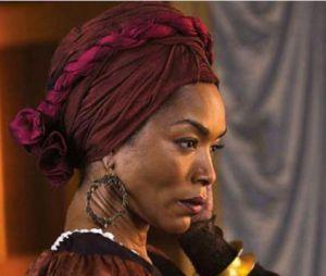 American Horror Story saison 3 : Marie Laveau va avoir des problèmes