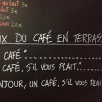 Dans ce bar, les clients malpolis payent leur café beaucoup plus cher