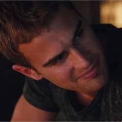 Divergent : Theo James tombe le t-shirt dans un extrait