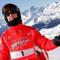 """Michael Schumacher """"dans un état critique"""" après un accident de ski, le monde de la F1 à son chevet"""