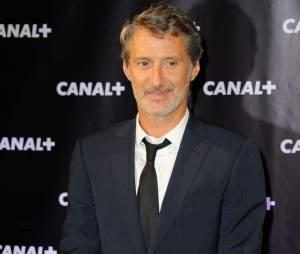 Antoine de Caunes accueille Camille Cottin alias La Connasse dans Le Grand Journal