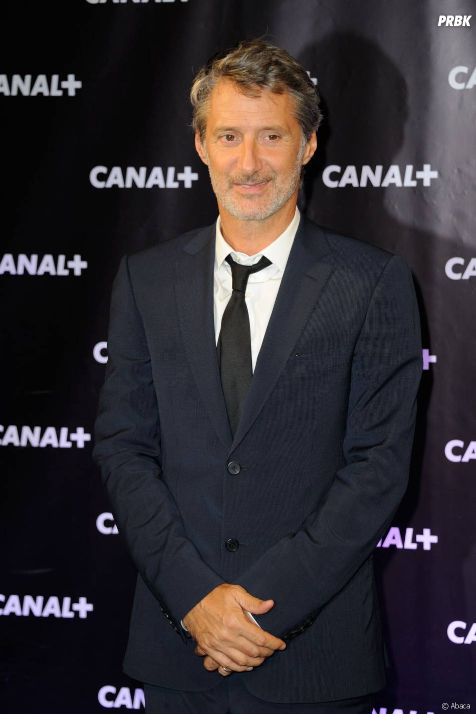 Antoine de Caunes accueille Camille Cottin alias La Connasse dans Le Grand Journal