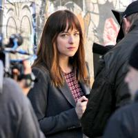 Fifty Shades of Grey : Dakota Johnson en jeune fille sage sur le tournage