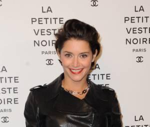 """Emma de Caunes à l'exposition """"Chanel, la petite veste noire"""", le 8 novembre 2012 à Paris"""