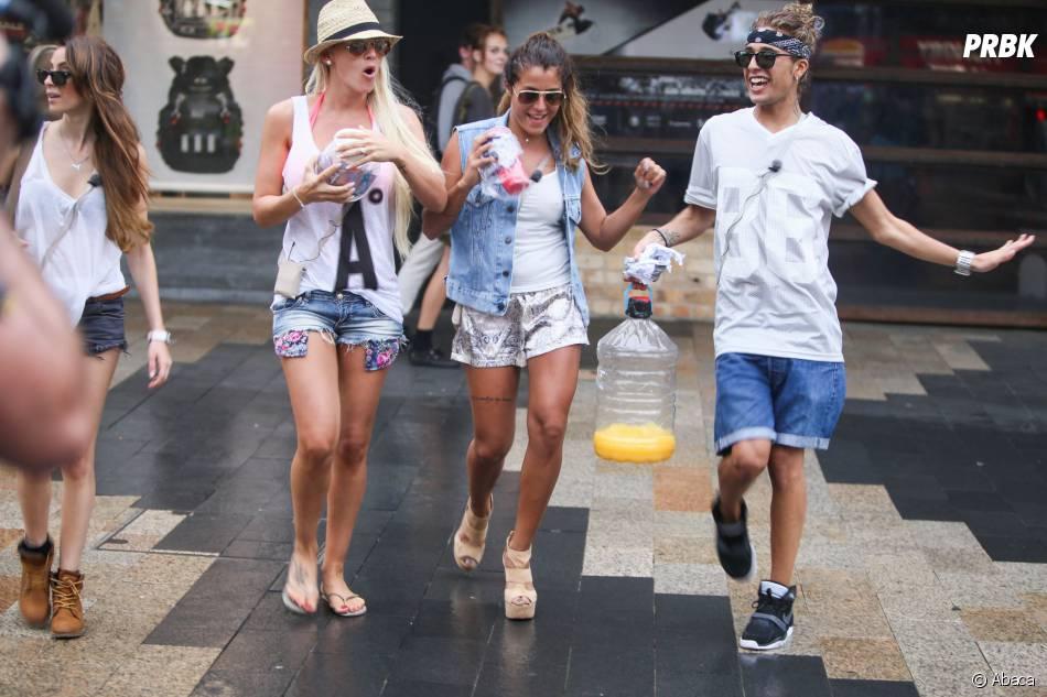Les Anges de la télé-réalité 6 : Amélie Neten, Anaïs Camizuli et Eddy dansent dans les rues de Sydney, le 20 janvier 2014