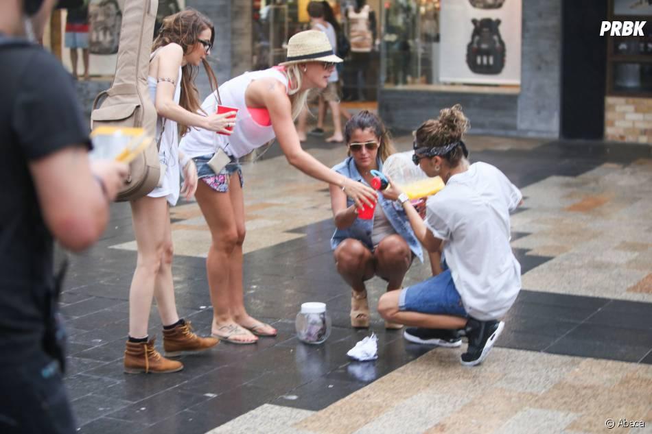 Les Anges de la télé-réalité 6 : Dania, Amélie Neten, Anaïs Camizuli s'amusent sur le tournage, le 20 janvier 2014 à Sydney