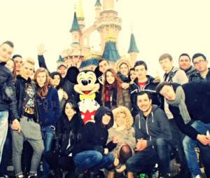Cauet : une journée à Disneyland Paris avec des auditeurs de NRJ pour fêter le million de followers sur Twitter