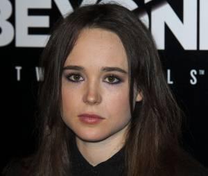 Ellen Page souriante (ou pas) à la soirée de lancement du jeu Beyond Two Souls le 2 octobre 2013