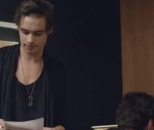 Destan : les chanteurs dans un studio d'enregistrement