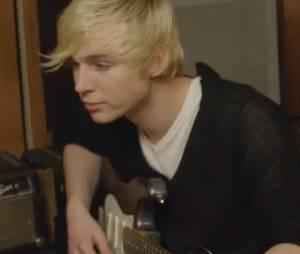 Destan : Quentin à la guitare dans Sans toi