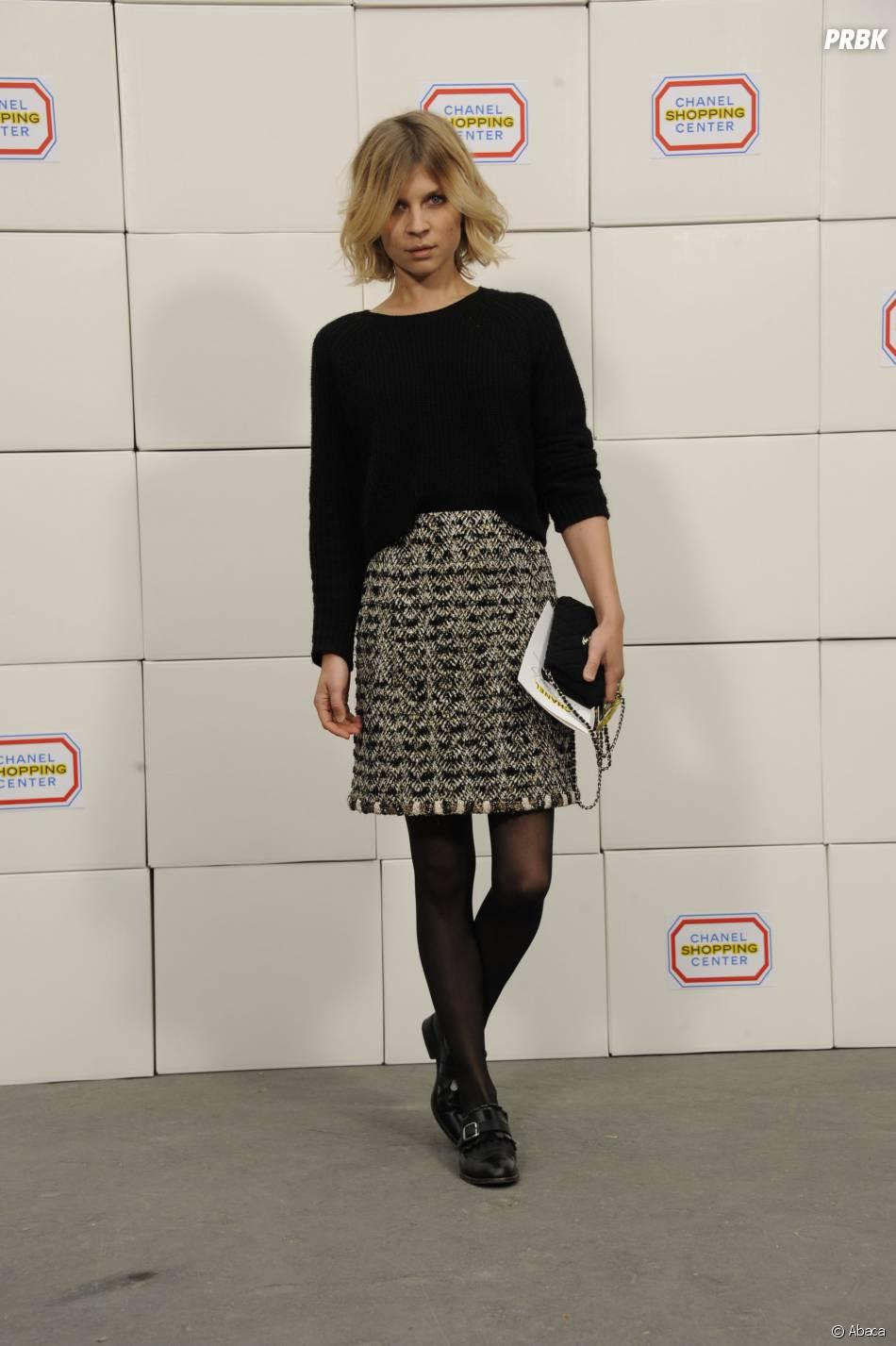 """Clémence Poésy au défilé Chanel de Karl Lagerfeld dans le """"Shopping Center"""" du Grand Palais, le 4 mars 2014 à Paris"""