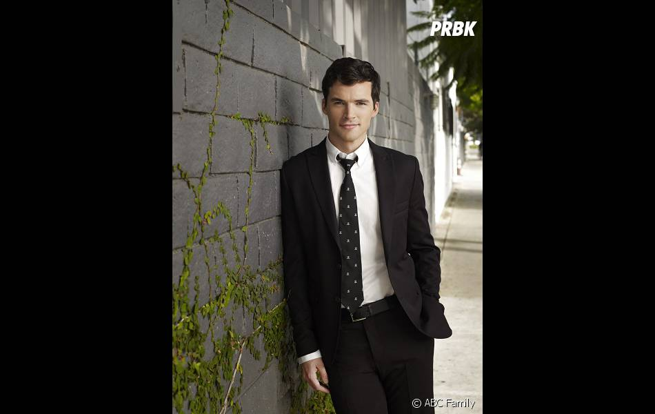 Pretty Little Liars saison 4, épisode 24 : Ezra en danger de mort
