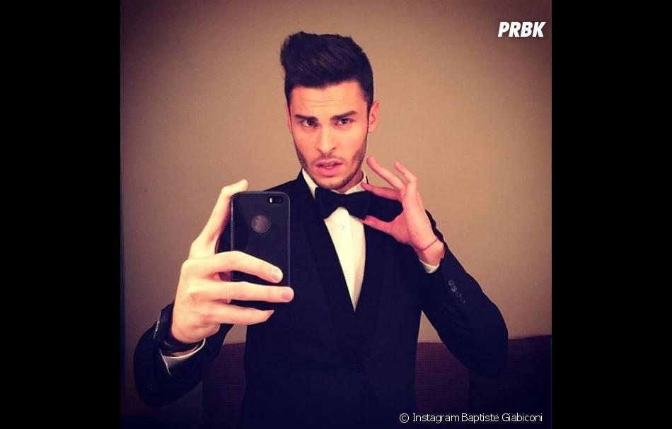 Baptiste Giabiconi en mode James Bond classe et sexy sur Instagram