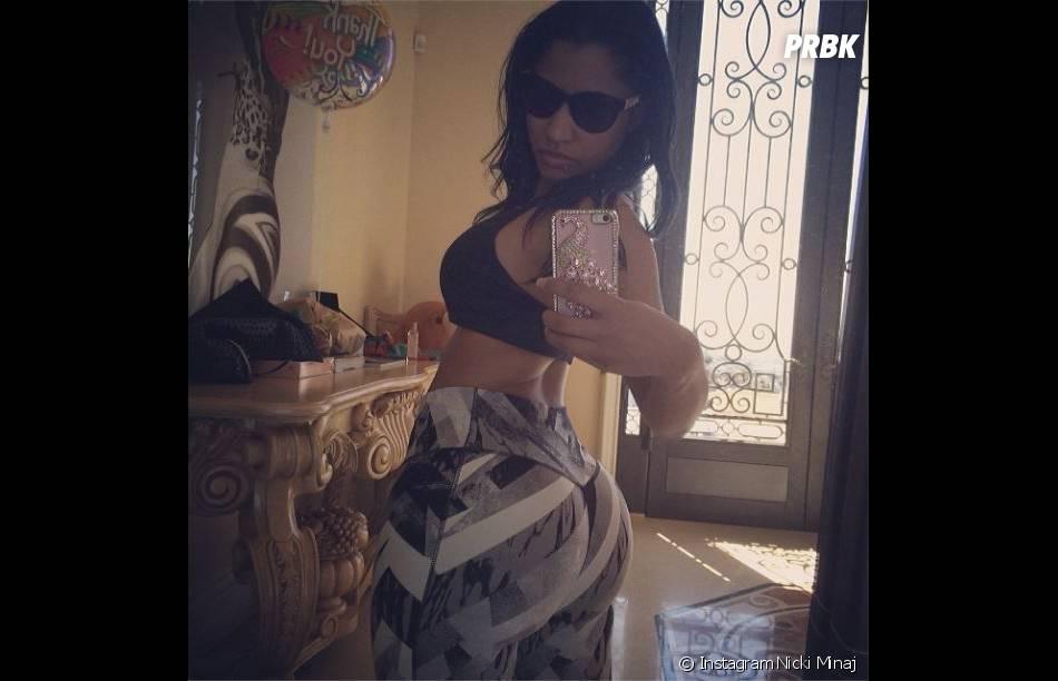 Nicki Minaj, selfie de fesses à la Kim Kardashian sur Instagram