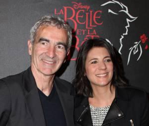 Estelle Denis et Raymond Domenech à l'avant-première de La Belle et La Bête avec Vincent Niclo, le 20 mars 2014 à Paris