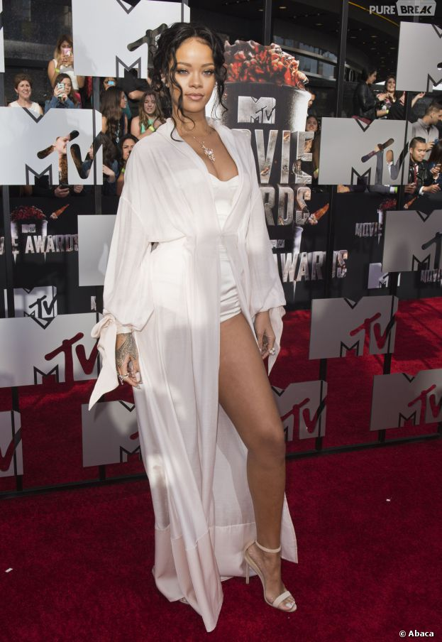 Rihanna sur le tapis rouge des MTV Movie Awards 2014, le 13 avril à Los Angeles