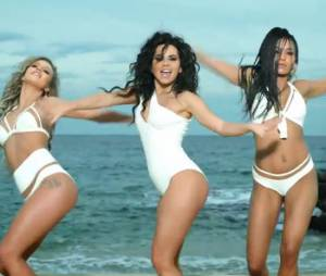 Inna revient avec le clip sexy du single Cola Song