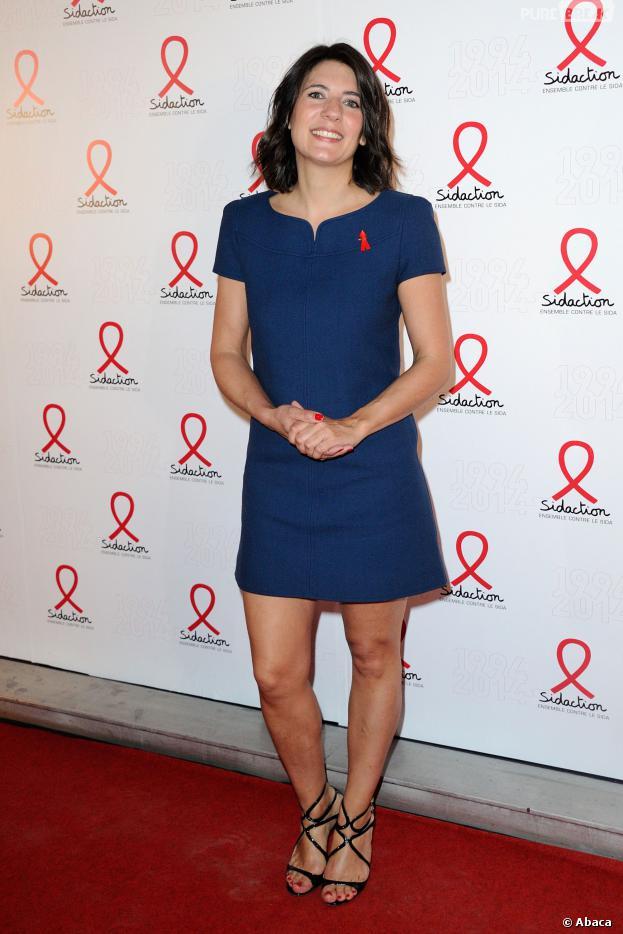 Estelle Denis souriante pour le lancement du Sidaction 2014