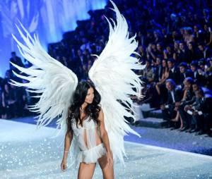 Adriana Lima : l'ange de Victoria's Secret de nouveau célibataire
