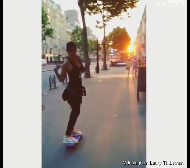 Laury Thilleman aussi sportive que sexy sur son skateboard