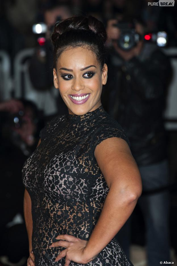 Amel Bent sexy et transparente aux NRJ Music Awards 2014