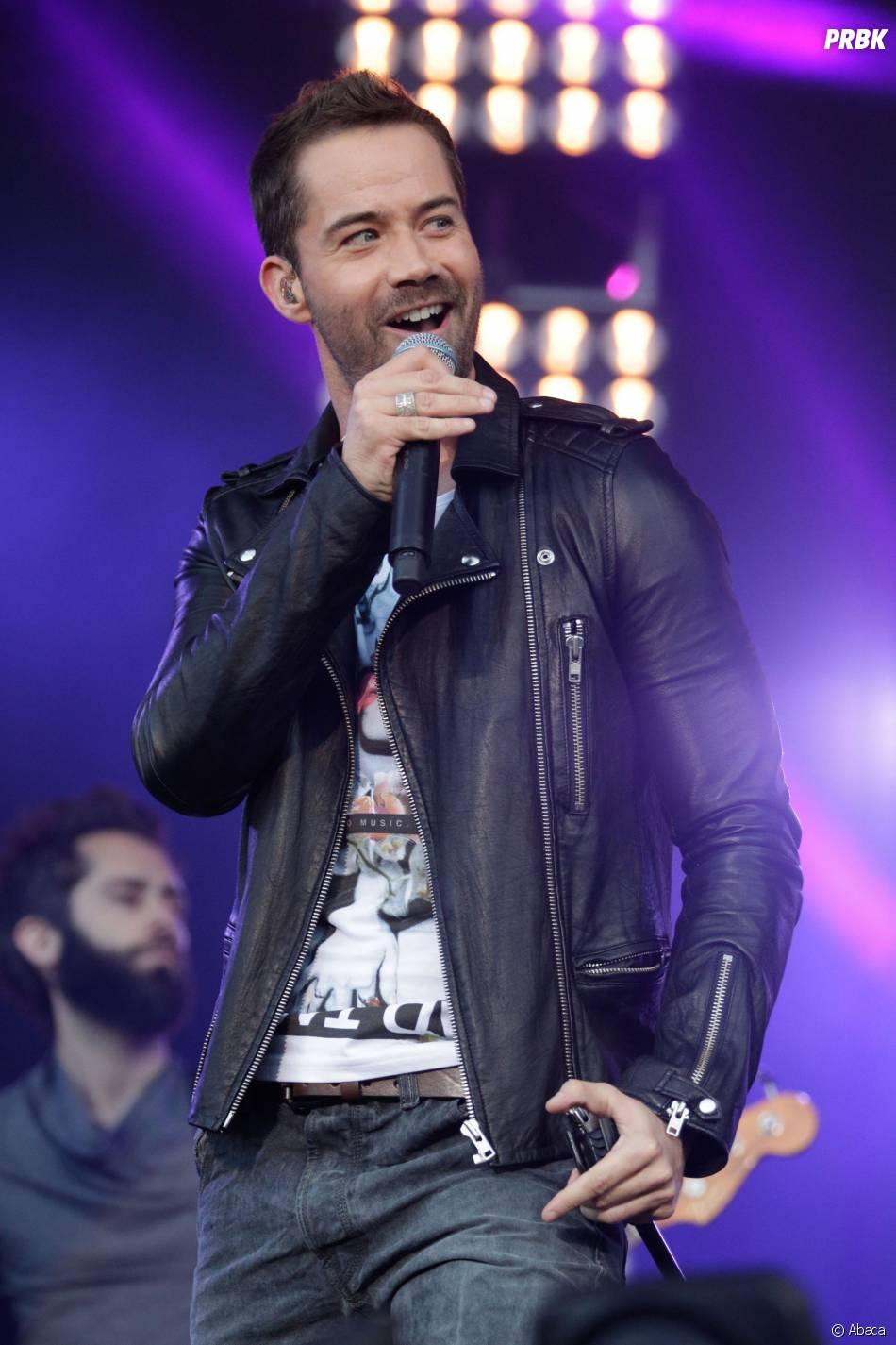 Emmanuel Moire sur la scène du M6 Music Live 2013