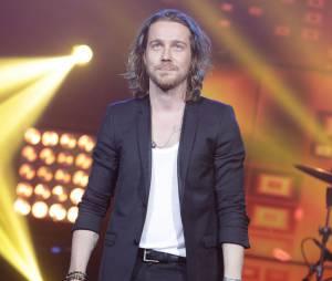 Julien Doré lors du concert V.I.P spécial anniversaire de RFM aux Folies Bergères à Paris, le 16 juin