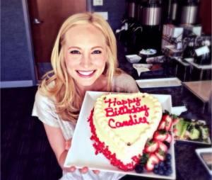 The Vampire Diaries : Candice Accola rit du piratage de son compte Twitter