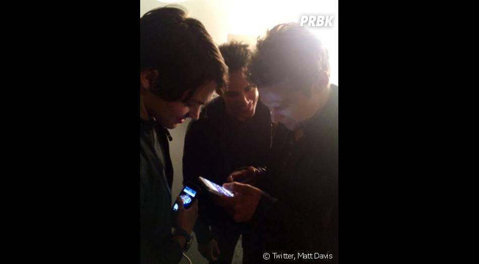 Streven R. McQueen, Michael Trevino et Zach Roerig lors d'une séance photo pour la saison 6 de Vampire Diaries