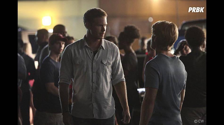 Vampire Diaries saison 6, épisode 1 : Alaric et Luke sur une photo