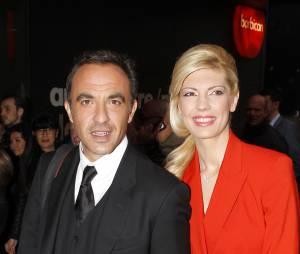 Nikos Aliagas et sa compagne Tina Grigoriou à l'exposition The Fashion World of Jean-Paul Gaultier, le 7 avril 2014 à Londres