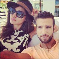 """Leila et Aymeric (Secret Story 8) : """"émeute"""" lors de leur arrivée en Tunisie"""