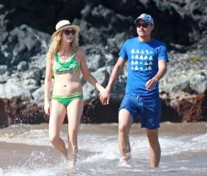 Candice Accola et Joe King pendant leurs vacances à Hawaii, le 16 avril 2014