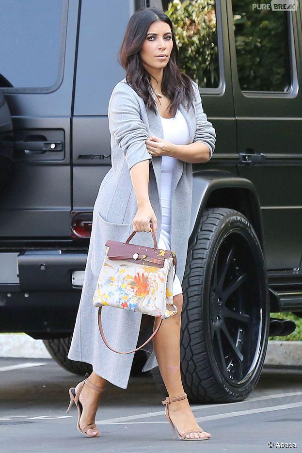 Kim Kardashian porte un sac Hermès peint par... North West