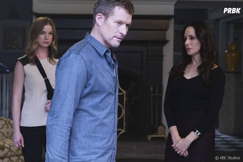 Revenge saison 4, épisode 11 : Emily VanCamp, James Tupper et Madeleine Stowe sur une photo