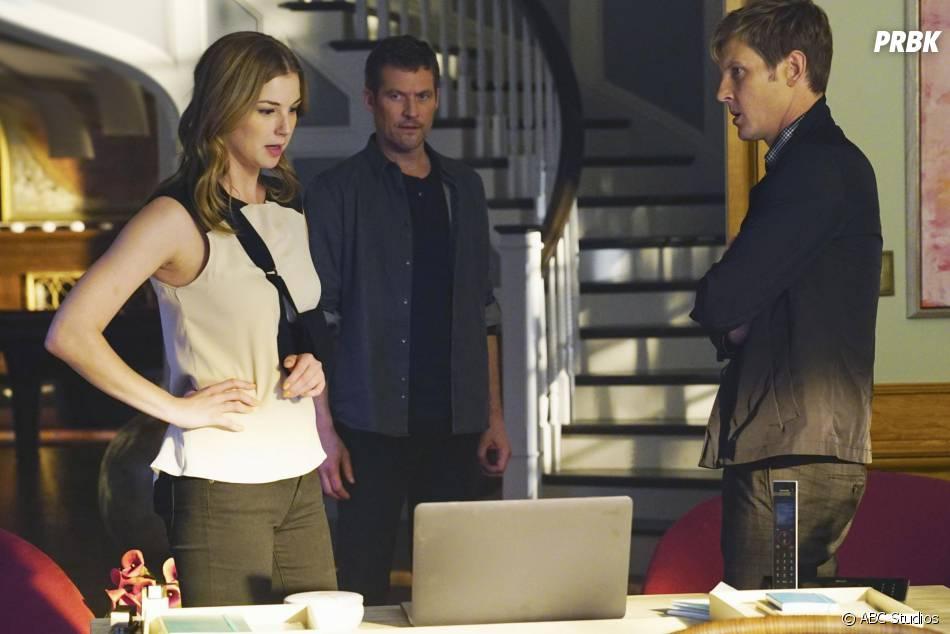 Revenge saison 4, épisode 11 : Emily VanCamp, James Tupper et Gabriel Mann sur une photo