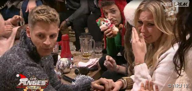 Aurélie Van Daelen en larmes dans Les Anges fêtent Noël, le 23 décembre 2014, sur NRJ 12