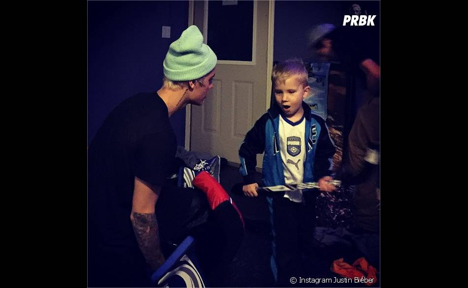 Justin Bieber et Jaxon s'amusent à Noël