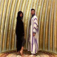 """Selena Gomez : scandale après des photos """"irrespectueuses"""" dans une mosquée à Dubaï"""