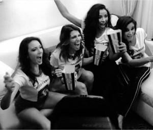 Delphine Wespiser, Laury Thilleman, Flora Coquerel et Malika Ménard réunies pour soutenir Camille Cerf à l'élection de Miss Univers 2015