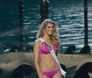 Camille Cerf en bikini pour l'élection de Miss Univers 2015