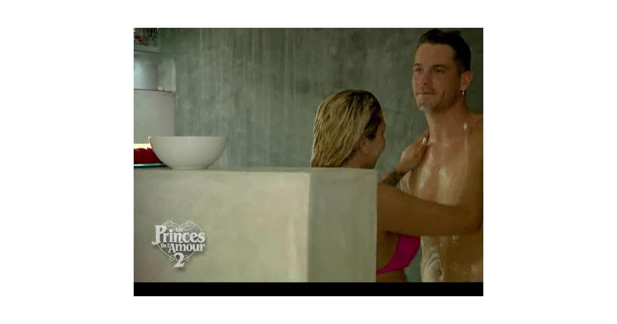 Les princes de l 39 amour 2 rapha l et camille sous la - Faire l amour sous la douche avec un preservatif ...