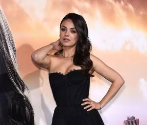 Mila Kunis glamour à l'avant-première de Jupiter Ascending, le 2 février 2015 à Los Angeles