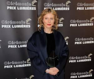 Karin Viard récompensée aux Prix Lumières 2015 à Paris le 2 février 2015