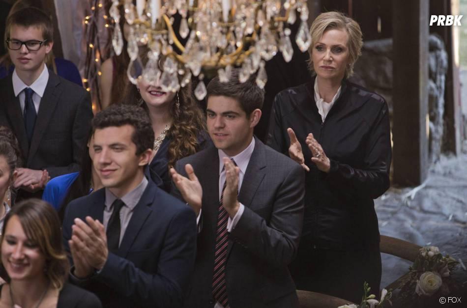 Glee saison 6, épisode 8 : Sue (Jane Lynch) invitée au mariage de Santana et Brittany